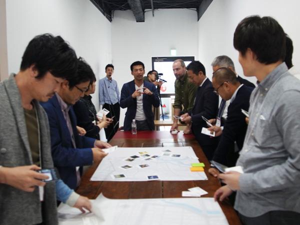 山崎氏とPlaceのアーバンデザイナー達と共に、異なる視点を持った市民同士の対話を促すワークショップも実施