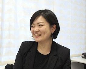 徳田 万里江