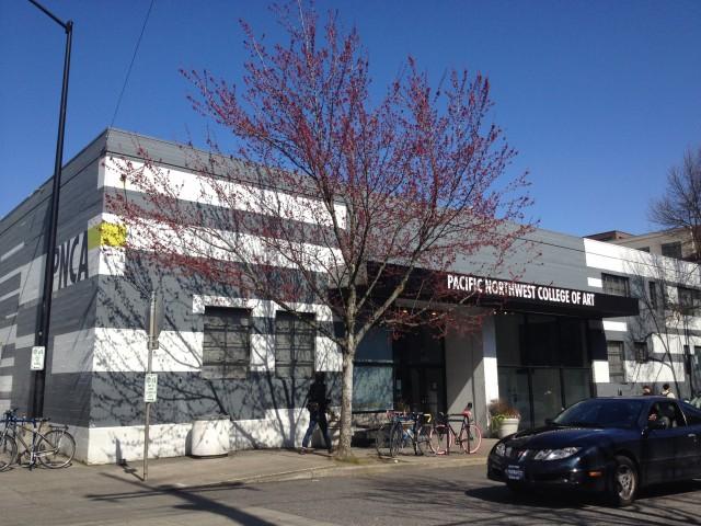 以前のPNCAの校舎。元倉庫を改装して学校にしていたことにまず驚いたそうです。