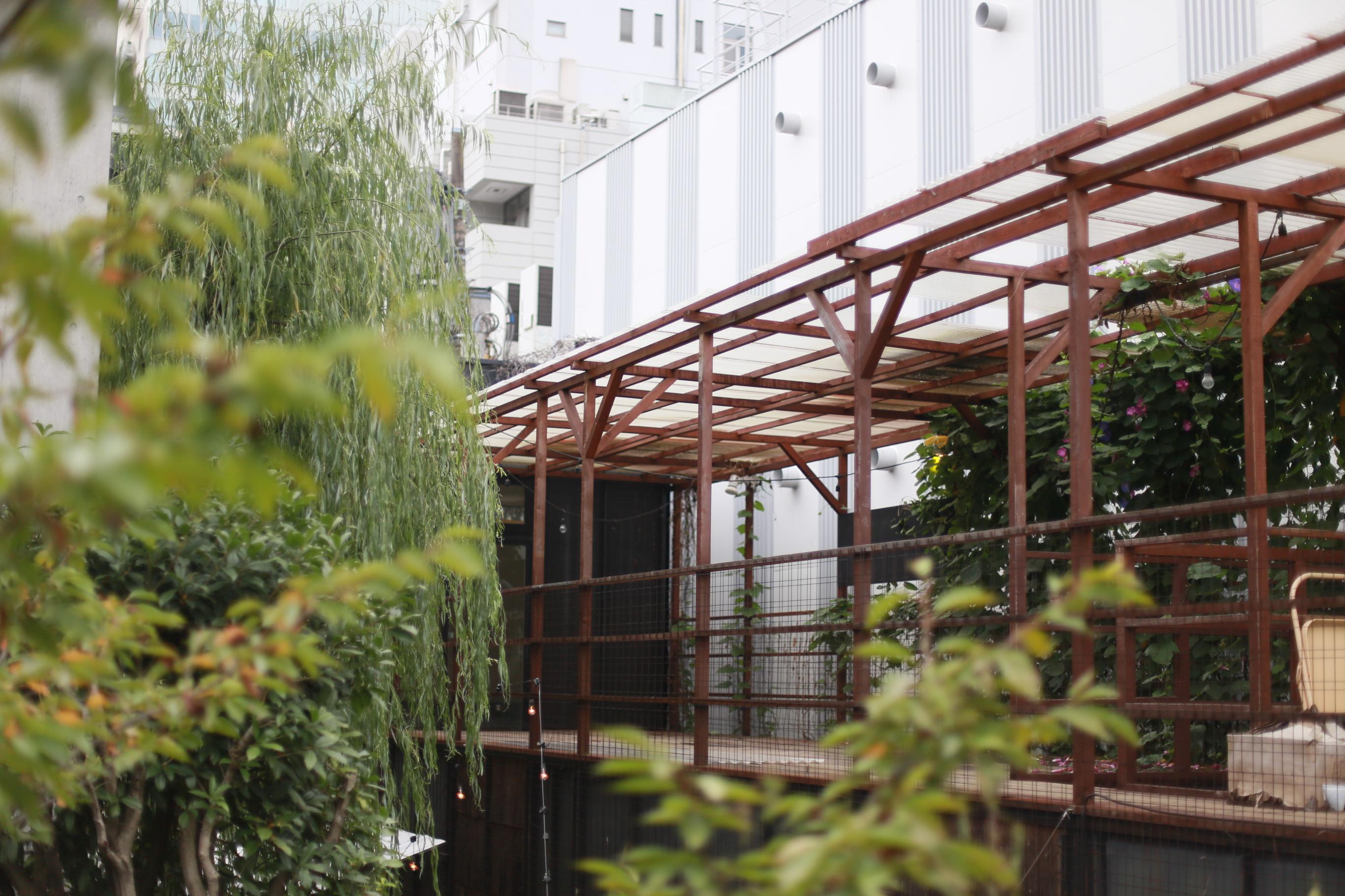 今回の講義で使用する自由大学の屋上テラス。ここに自由に菜園をつくろう