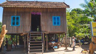 カンボジアの高床式住居が教えてくれる「開く」と「つながる」